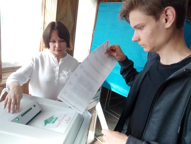 Электронная урна несразу приняла бюллетень у В.Путина