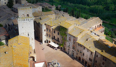 The main square, San Gimignano (kate willmer) Tags: roof rooftops square building houses town architecture tuscany sangimignano italy