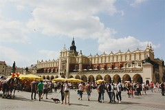 Kraków Cloth Hall (Gondolin Girl) Tags: krakow poland europe travel city holiday holidays break citybreak architecture church mainsquare rynekglowny clothhall