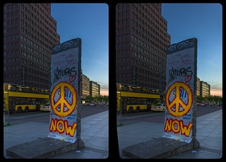 Remnant of Berlin Wall 3-D / CrossView / Stereoscopy / HDRaw