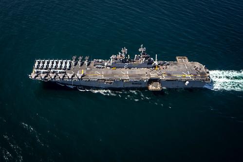 USS Essex (LHD 2) transits the Gulf of Aden.