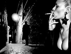 (horlo) Tags: bw blackandwhibte vintage noiretblanc nb wallpaper fonddécran glamour monochrome woman femme portrait