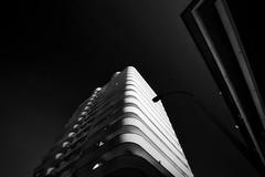 Way up high (iMarco79) Tags: arquitetura pb céu listas prédio arranha céus monocromático blackwhite portugal montegordo férias2018 algarve allgarve