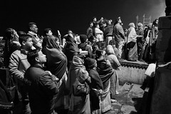 Street shot Varanasi India (mafate69) Tags: asia asie asiedusud southasia subcontinent souscontinent india inde up uttarpradesh varanasi benares benaras kashi puja ganga street streetshot streetlevelphoto candid city nb noiretblanc bw blackandwhyte documentaire documentary rue reportage photojournalisme photoreportage photojournalism mafate69 hindouisme hindu hindou hinduism hinduist religion aarti