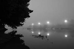 2018 Septembre - Lanester (Reflets).009 (hubert_lan562) Tags: lanester lorient morbihan reflet plessis ciel brouillard symétrie marée bretagne smog 56 2 lumière matin monochrome noir blanc gris two reflect