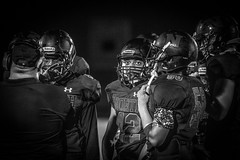 Friday Night Lights (Phil Roeder) Tags: desmoines iowa desmoinespublicschools northhighschool football sports athletics athletes students blackandwhite monochrome canon6d canonef100400mmf4556lis
