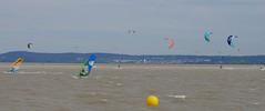 Surf & Kite (rudi_valtiner) Tags: podersdorf neusiedlersee lakeneusiedl burgenland österreich austria autriche wasser water segel sail windsurfing kitesurfing sport wassersport segelsport wind himmel sky