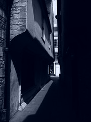 Stamford Allyway (davepickettphotographer) Tags: alleyways building uk centre town lincolnshire stamford