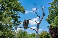(DeepSane) Tags: regentspark sculptures 2018 frieze bird vulture