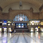 Imposing entrance hall, Leipzig station thumbnail