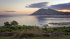 La magia de Monte Louro, Muros (A Coruña) (Miguelanxo57) Tags: paisaje agua mar bahía montaña cielo atardecer naturaleza montelouro louro muros acoruña galicia nwn
