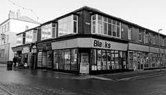 Sagging sofa? (Rhisiart Hincks) Tags: bw duagwyn england lloegr sirgaerhirfryn shop siop blackpool lancashire