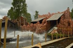 Splash of Lego Canoe (CoasterMadMatt) Tags: legolandbillund2018 legolandbillundresort2018 legolandbillund legolandbillundresort legoland billund resort temapark themepark forlystelsespark amusementpark theme amusement park parks dansketemaparker danishthemeparks forlystelsesparkeridanmark themeparksindenmark legocanoe lego canoe splash forlystelser rides ride june2018 summer2018 june summer 2018 coastermadmattphotography coastermadmatt photos photographs photography nikond3200