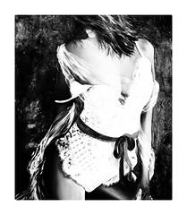 Le ruban noir (Jean-Louis DUMAS) Tags: femme bellefille fille bellefemme beautifulwoman sexy girl woman blackandwhite noire noiretblanc nb bw blanc black penthouse penture tableau