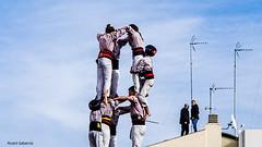 2612  Castellers, casi tocando el cielo (Ricard Gabarrús) Tags: castellers catalunya torre cielo nubes ricardgabarrus ricgaba olympus