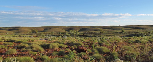 Pano in the Pilbara past Python Pool