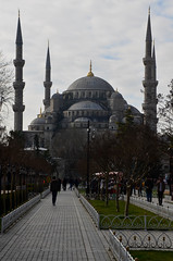 Walking To The Blue Mosque (itchypaws) Tags: sultan ahmed ahmet mosque camii blue 2018 istanbul turkey europe holiday vacation