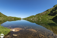 Étang d'Eychelle (Frankhuizen Photography) Tags: étang eychelle pyrénées france 2018 frankrijk lake meer landscape natuur nature landschap water fotografie photography pyrenees pyreneëen lakeside reflection reflecties réflexions paysage photographie arbres bergen mountains montagnes grass field mountain sky hiking valley scenery scenic mountainrange hill idyllic mountainpeak nonurbanscene hike rollinglandscape mountainside
