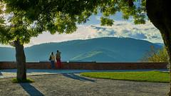 Blick vom Grazer Schlossberg (joachim.kracher) Tags: graz schlosberg schlossberg aussicht ferne personen menschen paar people pair austria österreich view hügel