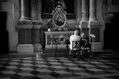 (Roberto Spagnoli) Tags: church couple religion jesus biancoenero blackandwhite monocromo fujix100t prayer gesù italy faith
