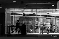 MGTI201803__176R-BYN_FLK (Valentin Andres) Tags: bw blackwhite blancoynegro byn center centropompidou españa guard malaga málaga pompidou spain white black blackandwhite centre centro guardia silhouette silueta vigilante