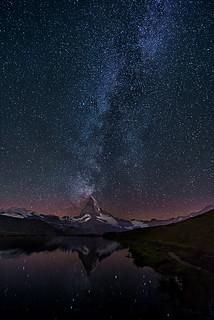Lake stellisse - Milky way over Matterhorn - Switzerland