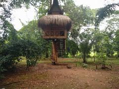 Junto a Tad Pha Suam; museo étnico. Laos (escandio) Tags: 2018 laos tadphasuam museo sur