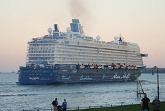 Mein Schiff 6 (jelpics) Tags: cruise cruiseships blackfalconterminal rayflynncruiseport meinschiff6 tuicruises meinschiff boat boston bostonharbor bostonma harbor massachusetts ocean port sea ship vessel