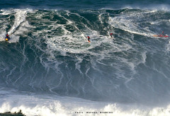 ROOS CLARKE-JONES / 0001R (Rafael González de Riancho (Lunada) / Rafa Rianch) Tags: surf waves surfing olas sport deportes sea mer mar nazaré vagues ondas portugal playa beach 海の沿岸をサーフィンスポーツ 自然 海 ポルトガル heʻe nalu palena moana haʻuki kai laut pantai costa coast storm temporal