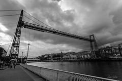 Puente de Vizcaya Zubia, Getxo, Bizkaia (Juan Galián) Tags: bw blancoynegro blackandwhite puente cielo bilbao getxo nervión monochrome patrimonio portugalete canon transbordador