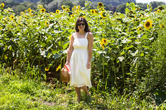 white eyeelt dress, bamboo bag, sunflower field-10.jpg (LyddieGal) Tags: thrifted summer tjmaxx eyeletlace littlewhitedress madewell weekendstyle loft ferragamo julievos sunflower rayban bamboohalfmoonpurse white