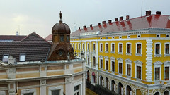 Satu Mare -  Romania (amos.locati) Tags: satu mare romania europe europa amos locati edificio giallo colori roof finestre window finestra windows fenetre ventanas torretta building roofs tetti tetto toit ireport