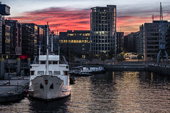 Seute Deern (Phil Bandow) Tags: seute deern elbe traditionshafen hamburg sunrise sonnenaufgang germany deutschland wasser