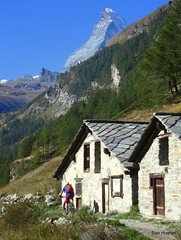 Autumn Riding in Zermatt Switzerland  (47) (Carl and Sian) Tags: sian carlandsian cycling singletrack sianandcarl skiing mountainbiking mountainbike mountainbikes orangemountainbikes