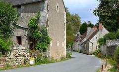 France: Crissay country road (Henk Binnendijk) Tags: france frankrijk crissaysurmanse indreetloire centrevaldeloire crissay