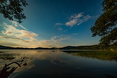 Mondnacht am Laacher See (clemensgilles) Tags: sommer sternenhimmel sterne starlight astrofotographie caldera vulkan lakeside lake nachtfotografie night sky deutschland eifel germany beautiful