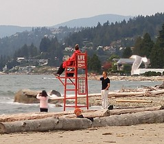Dundarave West Van BC18h12 LG (CanadaGood) Tags: canada bc britishcolumbia westvancouver people person building house shore beach bird seagull lifeguard canadagood 2018 thisdecade color colour cameraphone