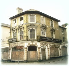 Musical Instrument Shop, Closed .. ~ the day the music died ? (John(cardwellpix)) Tags: friday 14th september 2018 4845 ~george potter co ltd victoriaroad aldershot hampshire