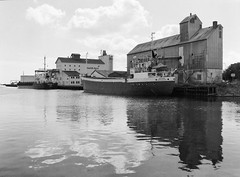 Køge Havn: Saturn (holtelars) Tags: pentax 645 pentax645 645n 6x45 smcpentaxfa 4585mm f45 120 film 120film fomapan fomapan200 fomapan200creative 100iso mediumformat analog analogue blackandwhite classicblackwhite bw monochrome filmforever ishootfilm filmphotography xtol homeprocessing larsholte køge denmark danmark ship port water seascape