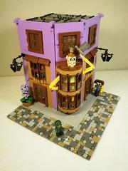 Weasley'sWizardWheezes (caatusmolotus) Tags: lego harrypotter diagonalley weasleyswizardwheezes pukingpastilles fantasy house wizard london