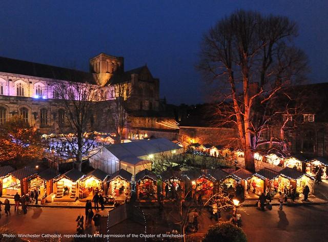 バース&ウィンチェスター英国2大クリスマスマーケット巡り(クリスマスマーケットのオプショナルツアー)