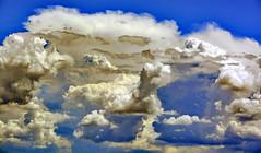 We do not live in the real world (Ciceruacchio) Tags: realworld reality realité realtà world mondo monde illusion illusione invisible invisibile quantumgravity gravitéquantique gravitàquantistica carlorovelli ciel cielo sky clouds nuvole nuages nikon groupenuagesetciel