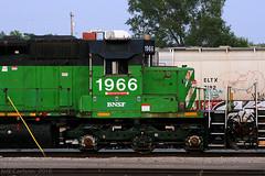 Fresh Pickles (Jeff Carlson_82) Tags: bnsf 1966 emd sd402 topeka outshopped ks kansas burlingtonnorthernsantafe cascadegreen burlingtonnorthern bn train railroad railfan railway