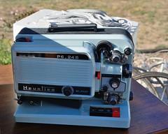 Heurtiez, projecteur de cinéma P6-24 B (Cletus Awreetus) Tags: france loire chazellessurlyon brocante videgrenier prestinox projecteur cinéma 8mm super8 s8