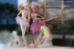 getting ready for the stage (photos4dreams) Tags: barbiebilitisp4d dress barbie mattel doll toy photos4dreams p4d photos4dreamz barbies girl play fashion fashionistas outfit kleider mode puppenstube tabletopphotography bilitis hamilton soft focus ballett ballet dancer dancers tänzerinnen tänzerin ballerina degas softlens bokeh romantic