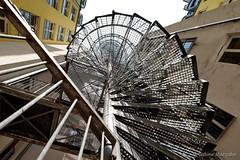 Unter Gittern (Sockenhummel) Tags: innenhof markgrafenstrasse wendeltreppe treppe spiralescape feuertreppe spirale licht schatten hotel fluchtweg staircase stairway stairs stufen berlin fuji xt10