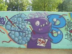 444 (en-ri) Tags: sub gelo crew gelos azzurro viola lilla camaleonte torino wall muro graffiti writing bolle parco dora