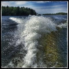 2018-08-18_07-32-49 (annika.rosengren) Tags: water waves lake boat
