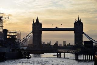 Tower Bridge / Sunrise
