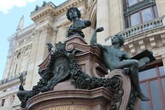 Palais Garnier, Paris : Charles Garnier (1825-1898) (philippeguillot21) Tags: opéra palais garnier monument statue sculpture paris france europe capitale pixelistes bronze canon